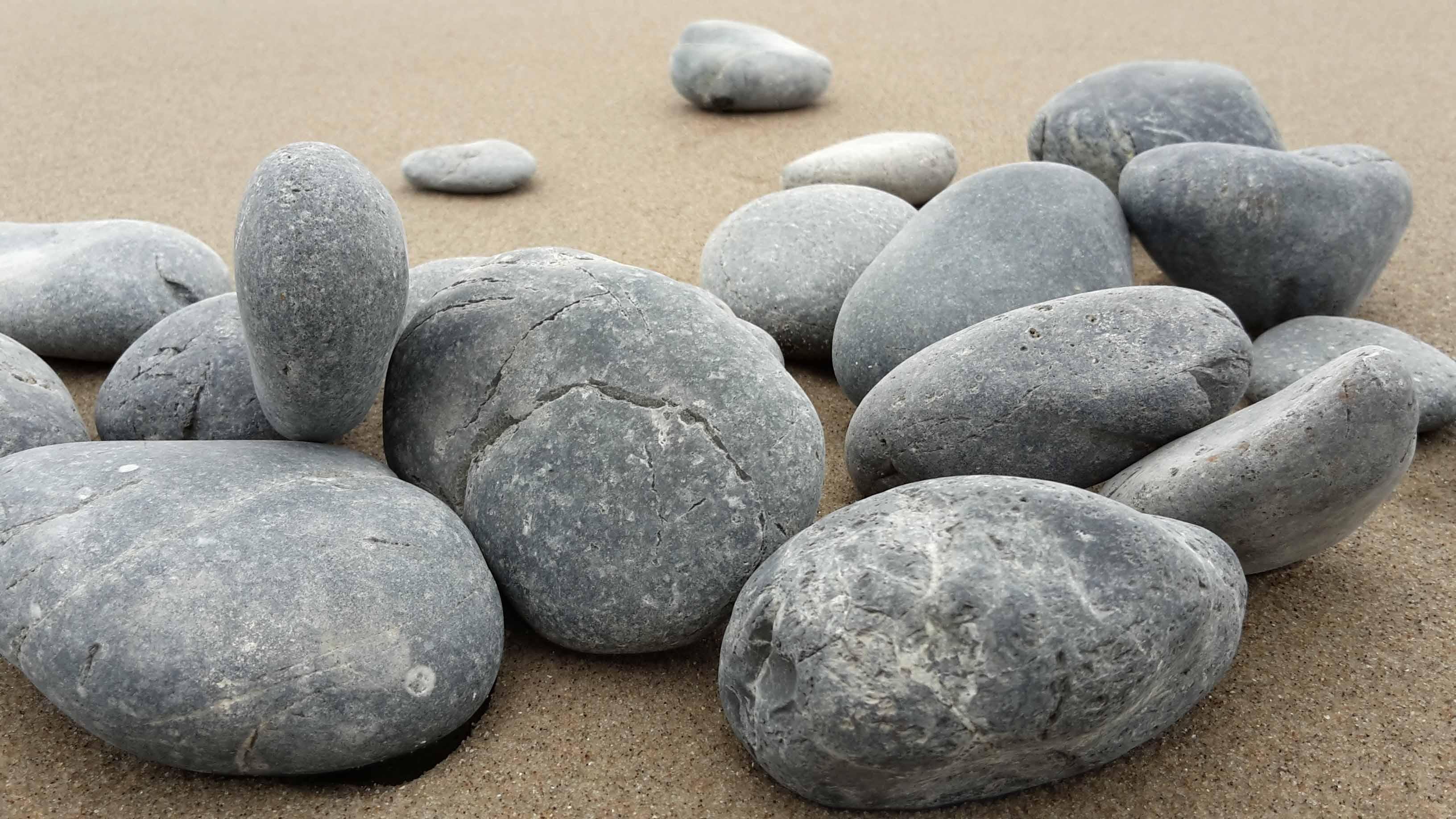 basalt-stones-1037829